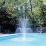 фонтаны в бассейне
